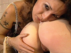 Nikki spanking. Amazing ladyboy Nikki spanking and playing with Dulcie's pretty analy