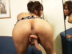 Agostina jack-off. Lovely shemale Agostina dancing and stroking
